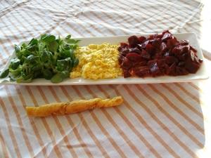 Salade de Mâche, Betteraves, Oeufs Mimosas - image 1