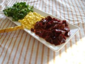 Salade de Mâche, Betteraves, Oeufs Mimosas - image 2