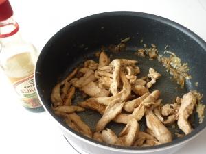 Blancs de Poulet et Nouilles Chinoises à la sauce Sukiyaki - image 1