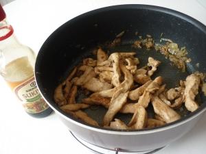 Blancs de Poulet et Nouilles Chinoises à la sauce Sukiyaki - image 2