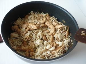 Blancs de Poulet et Nouilles Chinoises à la sauce Sukiyaki - image 3